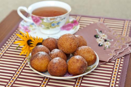 Продукты питания: булочки, пончики