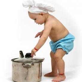 детская посуда,материалы для детской посуды