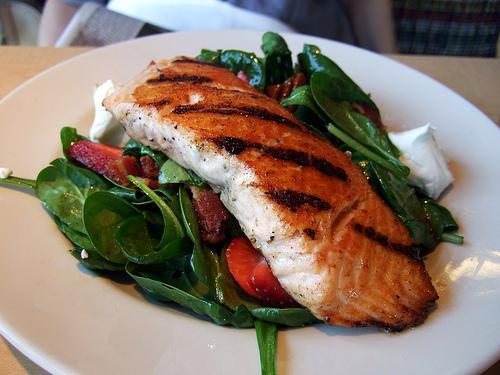 Продукты питания: лосось