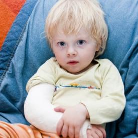 Подвывих лучевой кости локтевого сустава у ребенка последствия коленный сустав растяжение связок