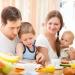 как накормить непоседу,накормить ребенка,креативная еда,дети едят бутерброды,интересные идеи,еда