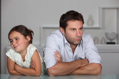 Детские вопросы: папа и дочь