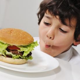 завтрак,давать ли ребенку бутерброды?