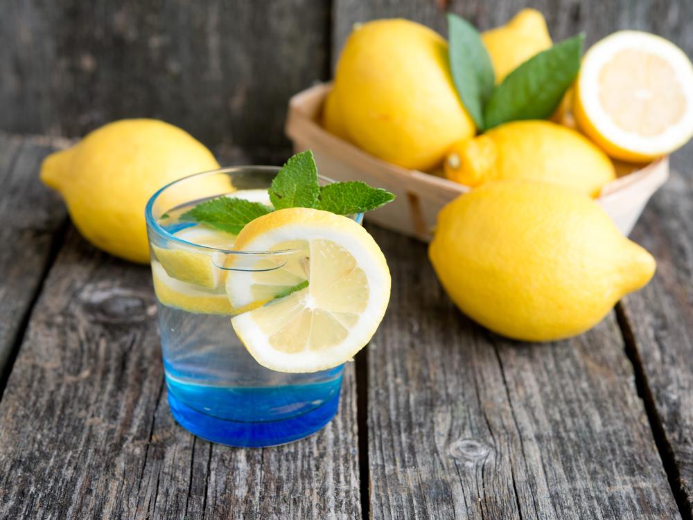 Как быстро похудеть: вода с лимоном