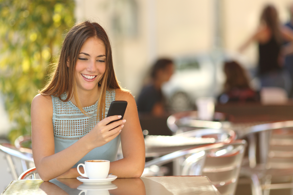 Австралийские ученые отрицают взаимосвязь между смартфонами и раком мозга