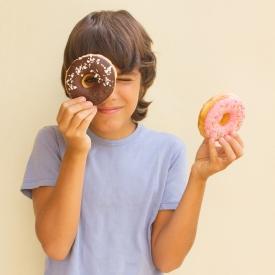 Почему детей тянет на сладкое