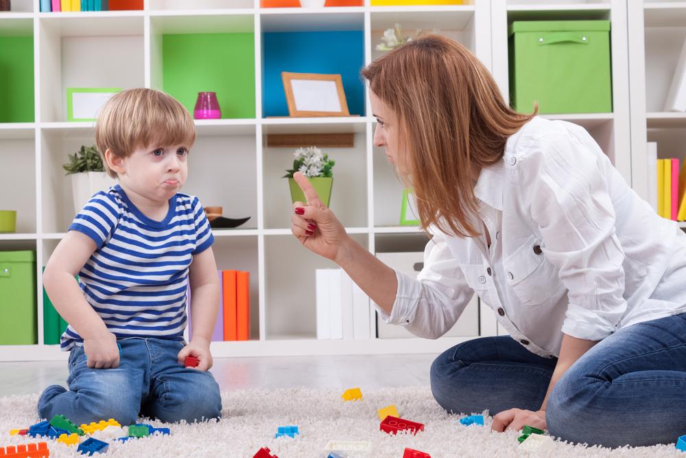 ругать ребенка