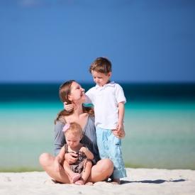 Как отдохнуть родителям, если они едут в отпуск с ребенком