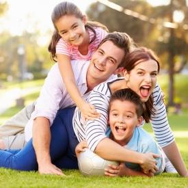семейные традиции, самая известная семейная традиция во Франции, семейный ужин, день рождения ребенка, семейные традиции Греции
