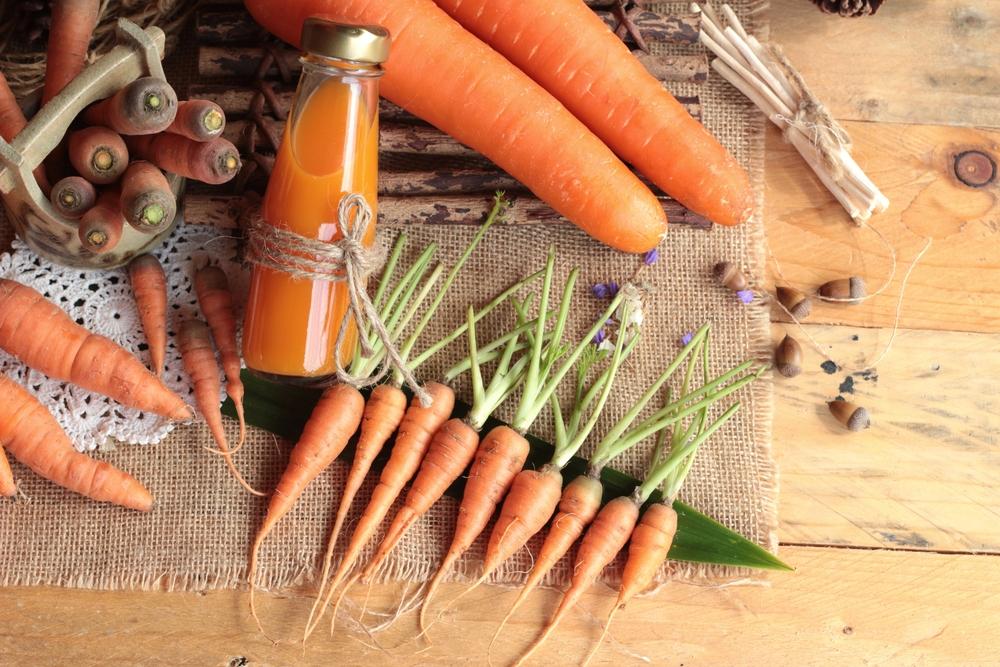 морковка на столе
