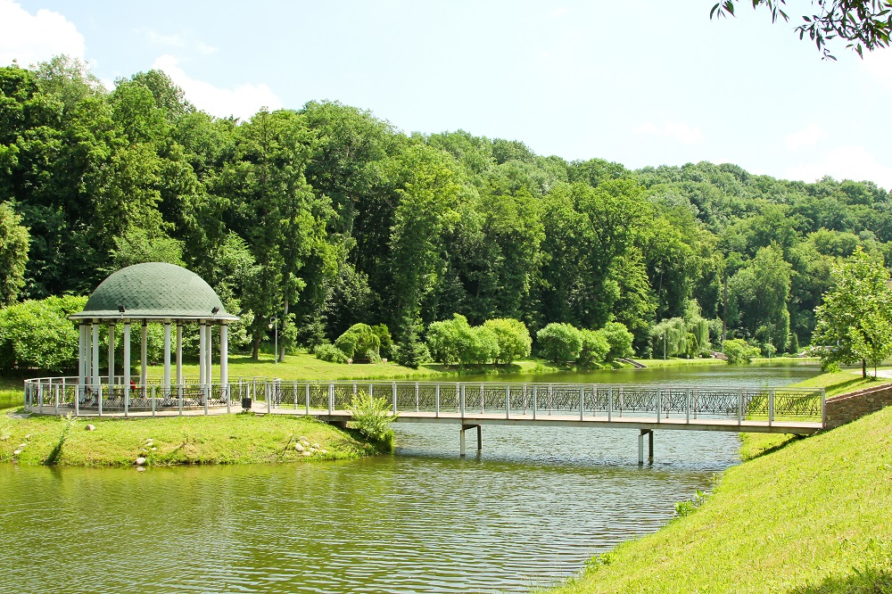 Беседка в парке Феофания