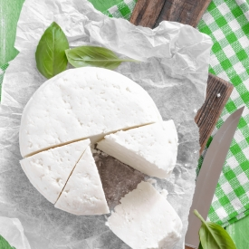 адыгейский сыр, полезные свойства адыгейского сыра, польза адыгейского сыра, натуральный антидепрессант, процесс пищеварения