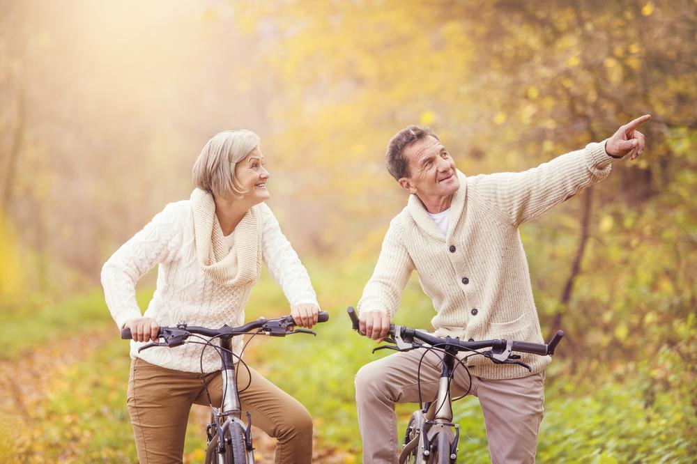 активная пожилая пара