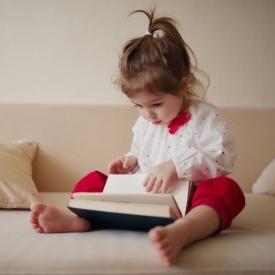 Как ребенку прививать любовь к книгам с самого детства