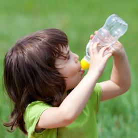 минеральная вода в жару,газированная вода в жару,чем нельзя утолять жажду,нельзя пить в жару