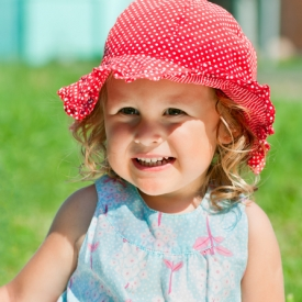 Аллергия на солнце у ребенка: причины и лечение