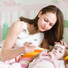 лекарства для ребенка,опасность самолечения,побочные явления лекарств,здоровье ребенка