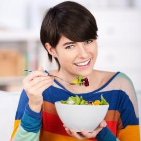 переедание, теплая ванна, рацион питания, правило против переедания, частые приемы пищи