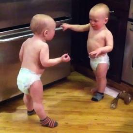 Смешные малыши - YouTube