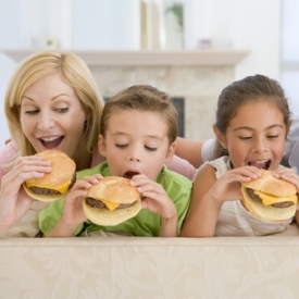 подросток,питание,фастфуд,фаст-фуды для ребенка