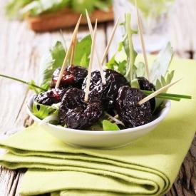 полезные свойства чернослива, применение чернослива, кому нельзя есть чернослив, защитные силы организма