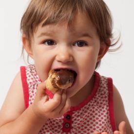 сладкое детям,полезны ли сладости детям,можно ли детям конфеты