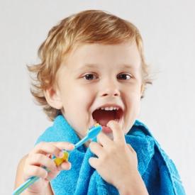 первые зубы,когда к стоматологу