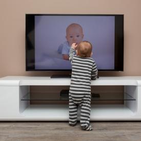 телевизор,чем опасен телевизор,как оторвать ребенка от телевизора,негативные последствия телеви