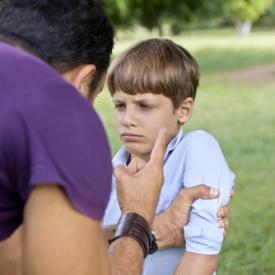 муж бьет ребенка,насилие в семье,почему нельзя бить детей