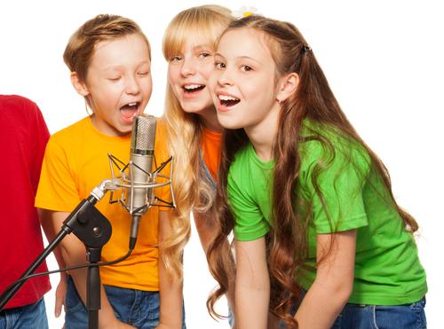 Публичные выступления: дети поют