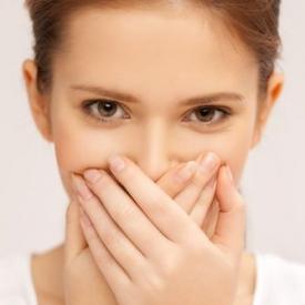 запах изо рта,неприятный запах изо рта,неприятный запах тела