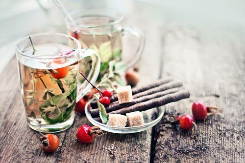 Как быстро похудеть: медовый напиток с шиповником