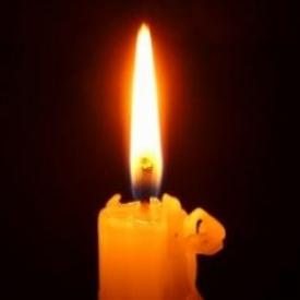как ставить свечу в храме,как правильно ставить свечку,свечу в церкви