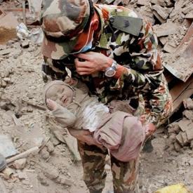 землетрясение,Непал,фото,ребенок