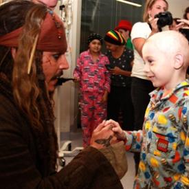 Джонни Депп,госпиталь,благотворительность