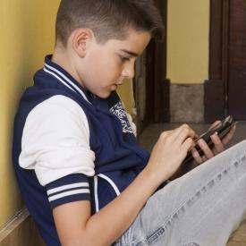 мобильный телефон,смартфоны,спина,сколиоз,смс