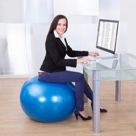 работа в офисе,спорт,тренажер,упражнения,фитбол