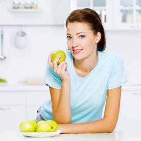 яблоки для ребенка,польза яблок,полезные фрукты,полезные продукты
