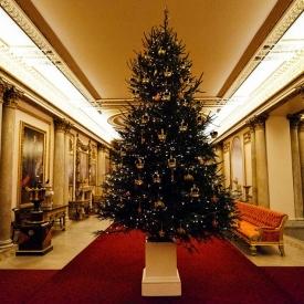 дворец,рождество,королевская семья,королева Елизавета