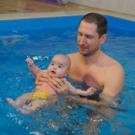 плавание с ребенком,грудничковое плавание,польза плавания