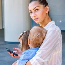 опасность гаджетов,вред от телефона,общение с ребенком,правила поведения за обедом,как вести себя с детьми
