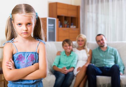 Ребенок чувствует себя одиноким