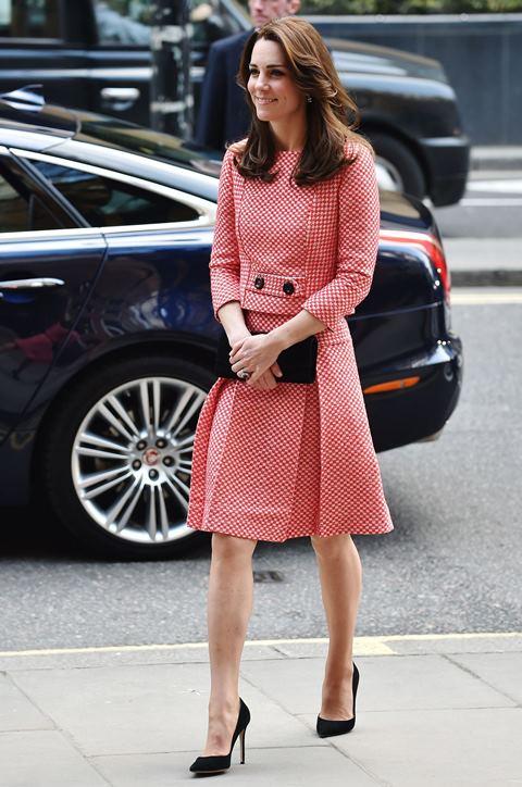 Кейт в розовом