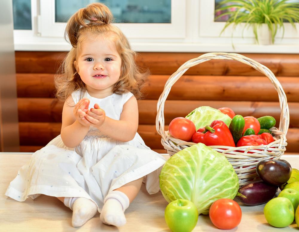 ребенок овощи