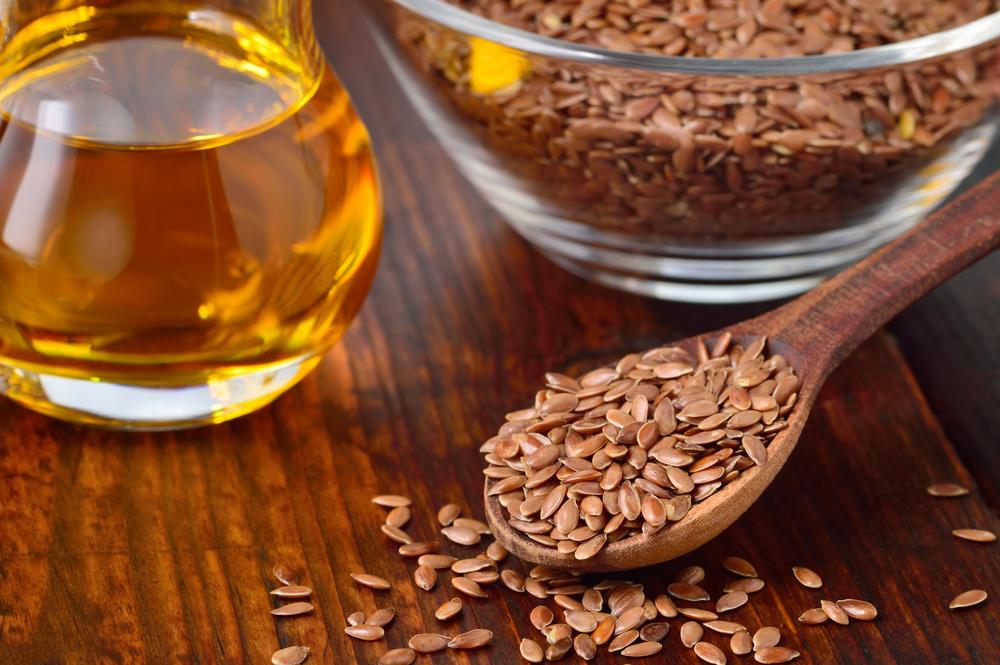 Пищевые добавки в рационе: льняное масло