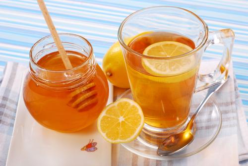 1 теплый чай с медом и лимоном