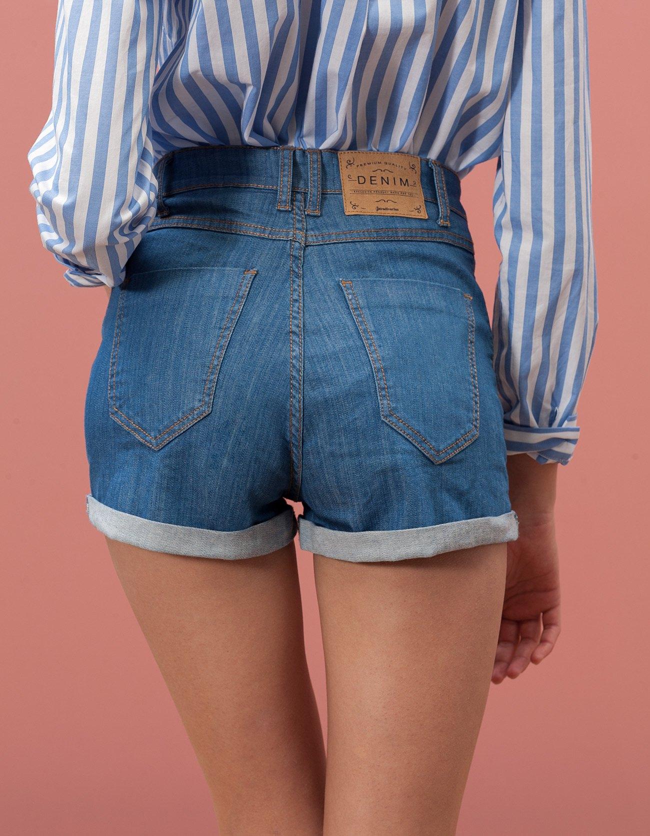 высокие джинсовые шорты фото фиолетовых тюльпанов светлого