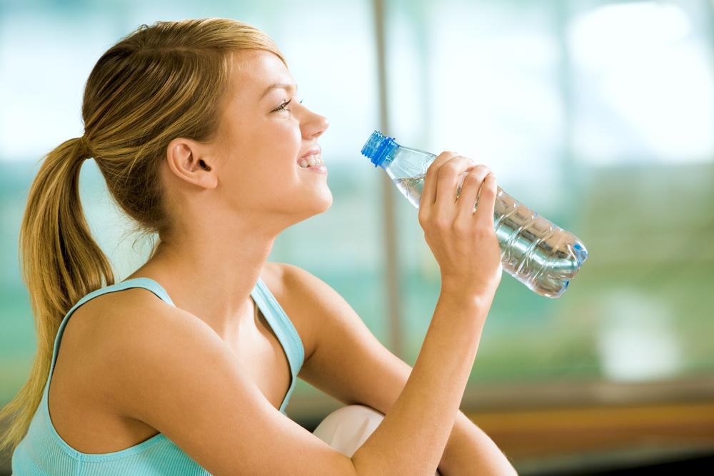 вода пьет воду