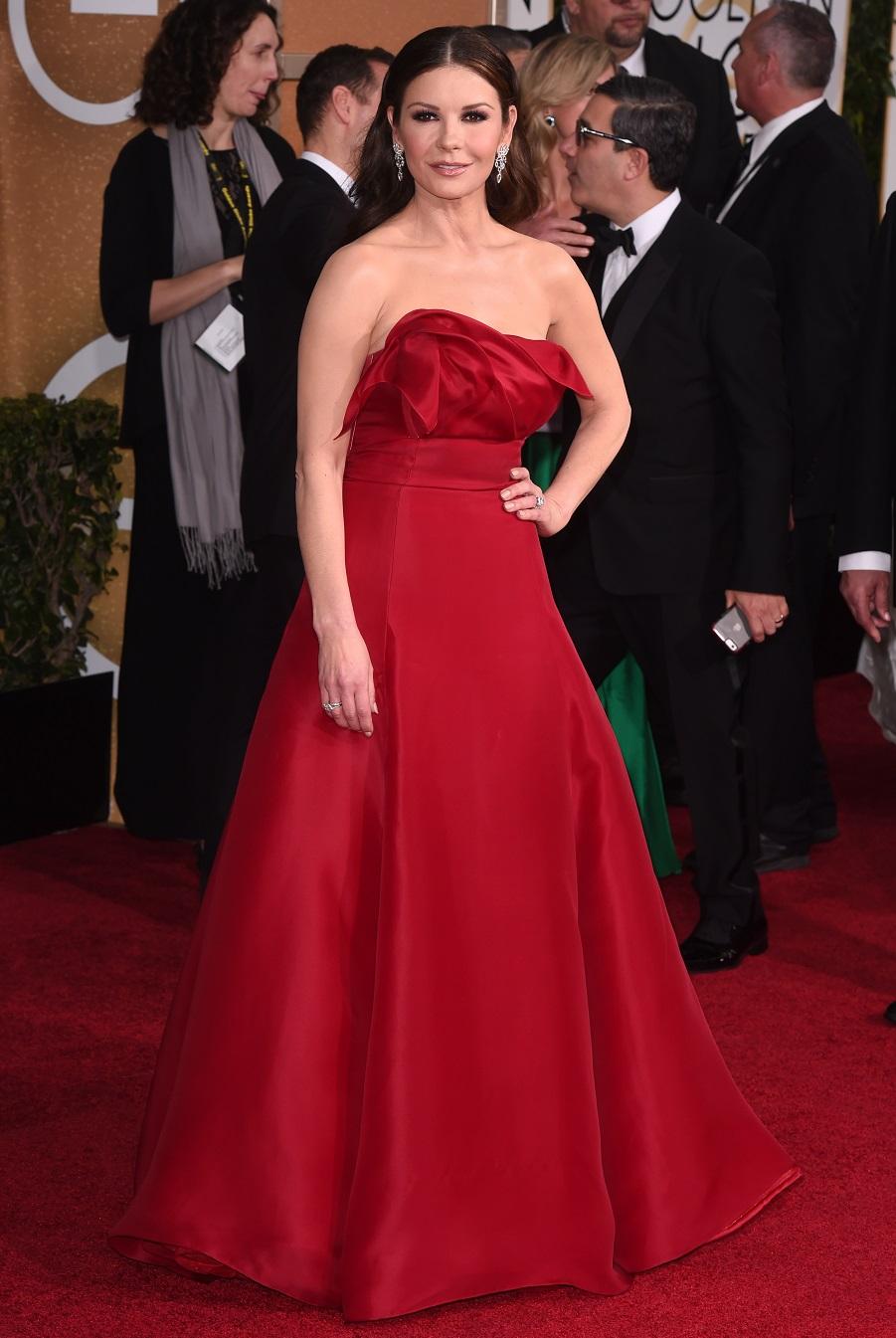 Кэтрин Зета-Джонс в красном платье