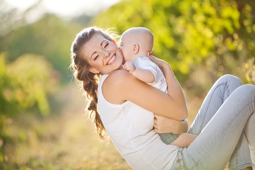 малыш с мамой